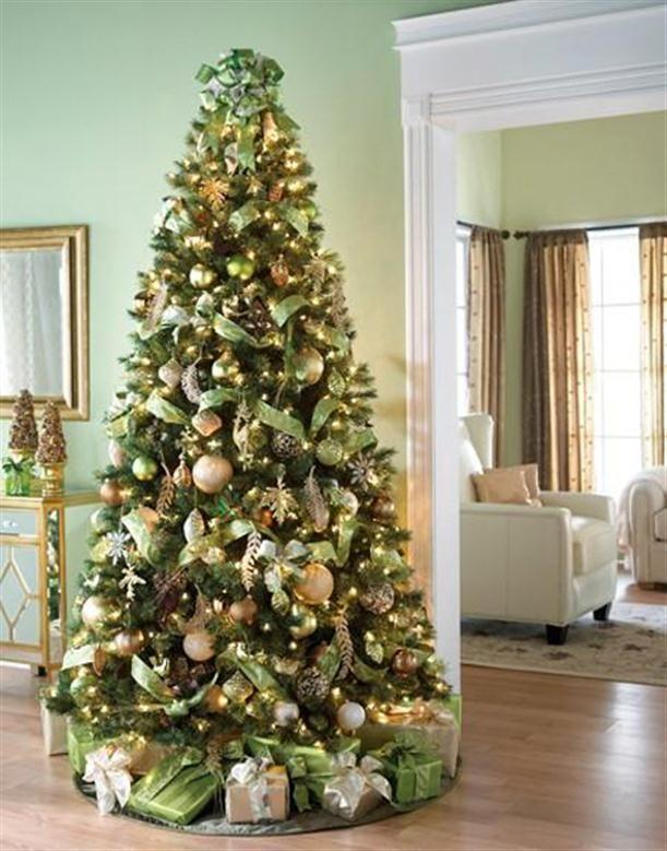 MESMERIZING GOLDEN CHRISTMAS TREE DECORATION Christmas trees - beautiful decorated christmas trees