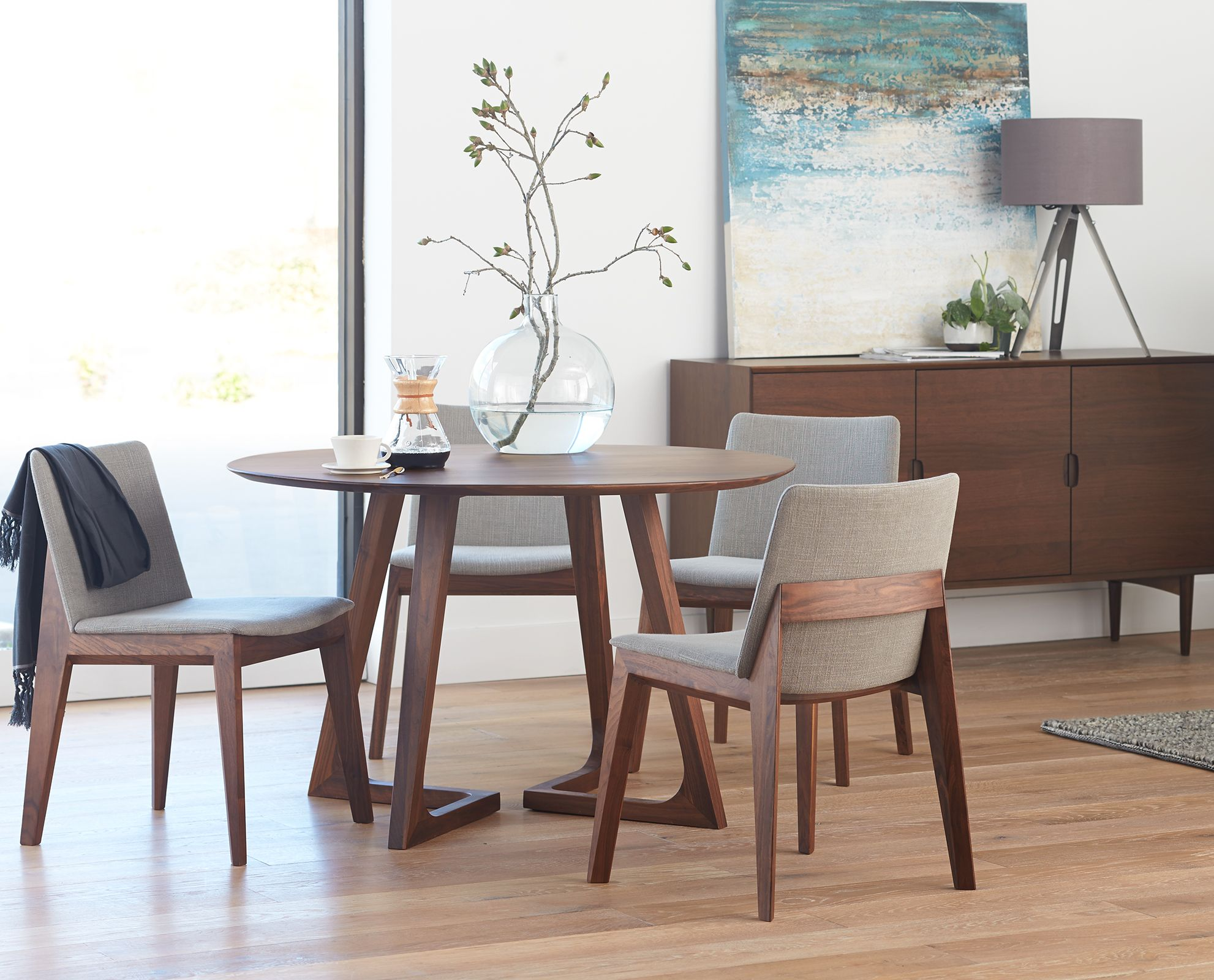 modern kitchen table chairs Round table and chairs from Dania