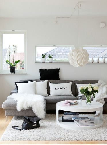 Home Decoration Designs Create a Black and White Living Room - black and white living room decor