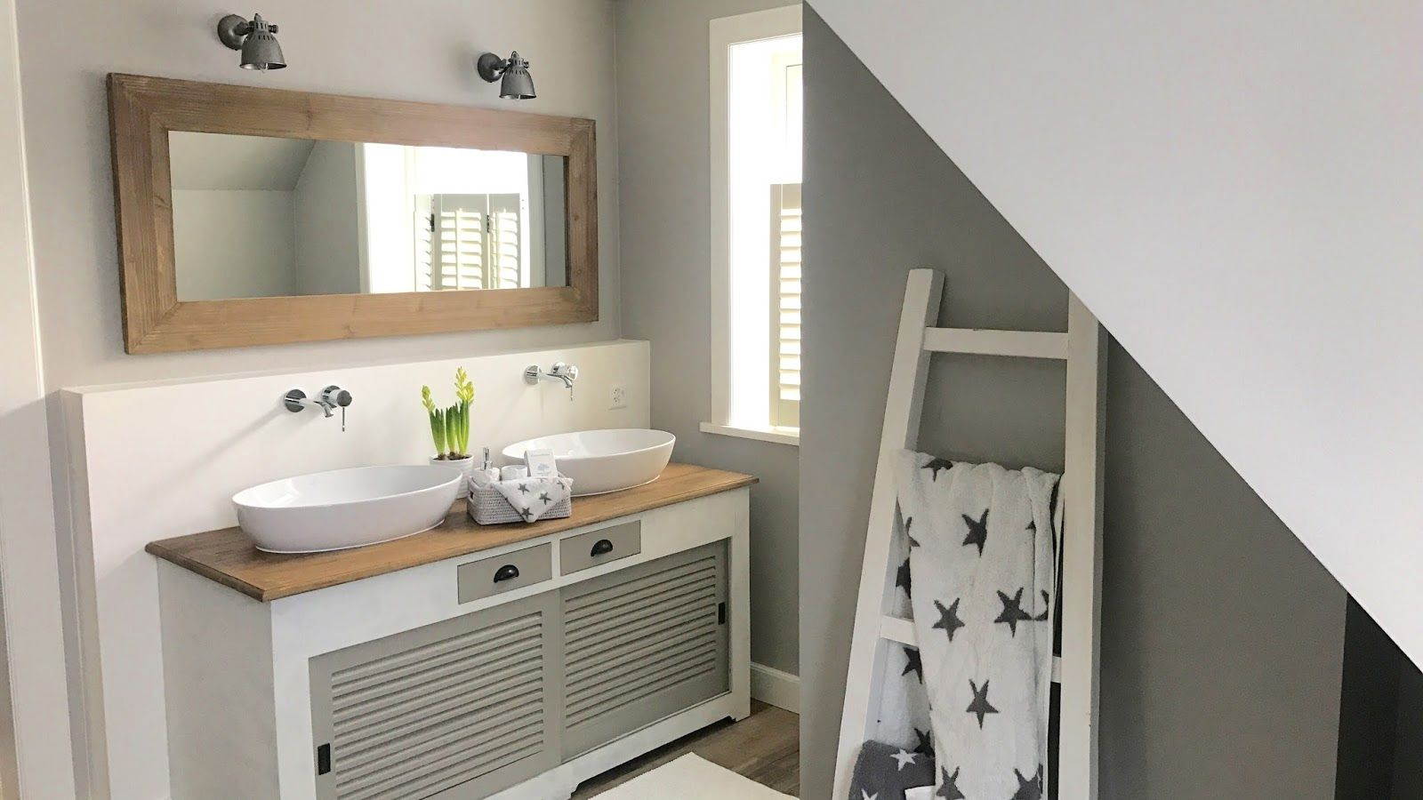 Badezimmer Fliesen Landhausstil Badezimmer Waschtisch Rustikal