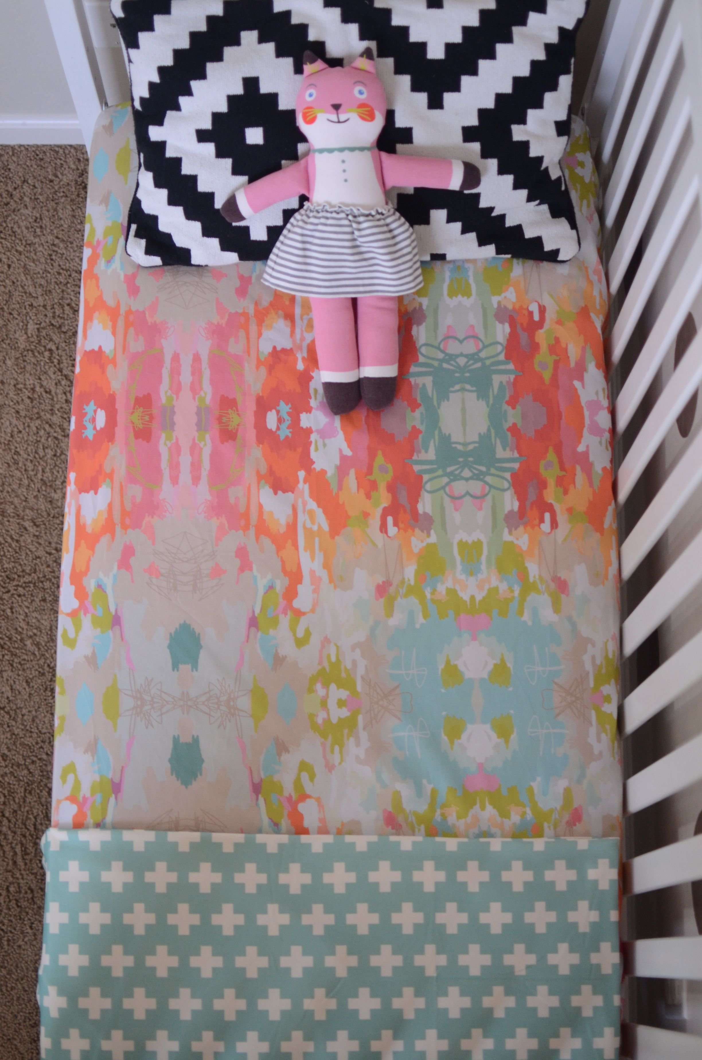 Zimmergestaltung Online Candy Kirby Designs Fitted Crib Sheet In Watercolor Ikat