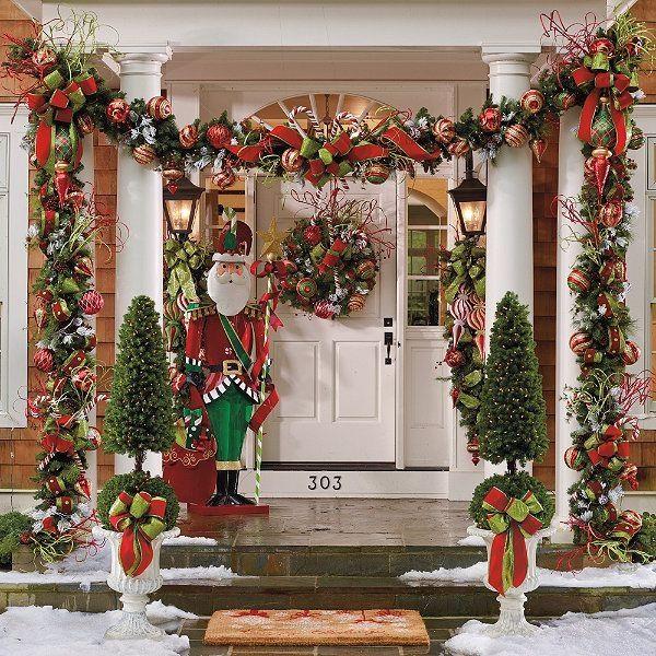 Ideas para decorar columnas en Navidad Green decoration - christmas decorations outside