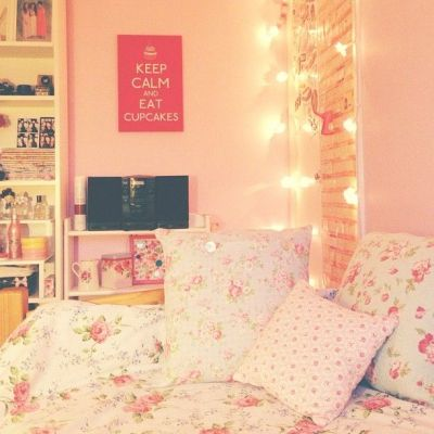 like the background but would change the pillows and comforters. | Cute things!!♡ | Pinterest ...