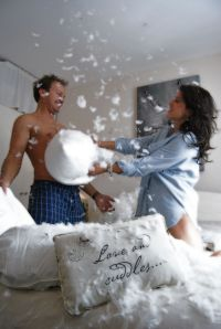 Couples pillow fight | Couple things