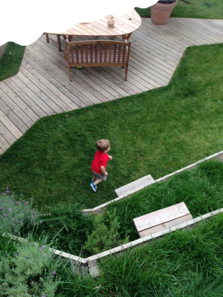 garten-landschaftsbau-gross-flaeche-kinder-spielen-nicola-spinetto - garten und landschaftsbau