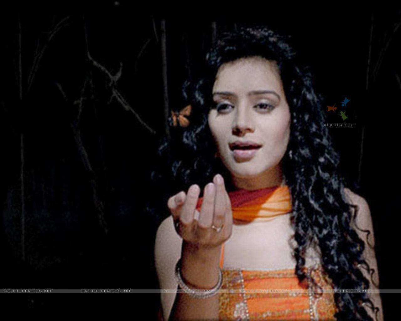 Fall In Love Couples Wallpapers Sukirti Kandpal In Pyaar Kii Ye Ek Kahaani Telewood