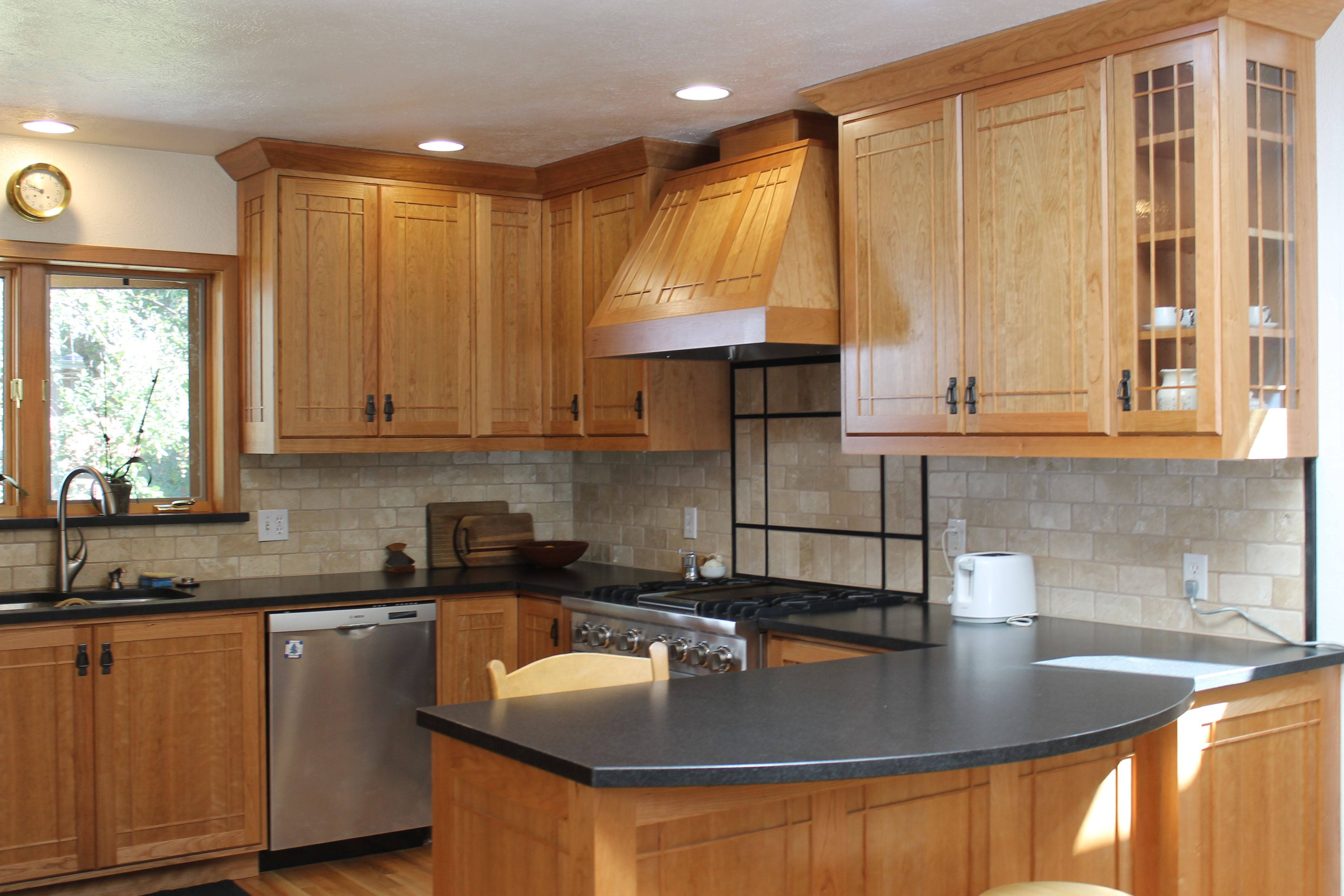 oak kitchen cabinets Wood kitchen cabinets