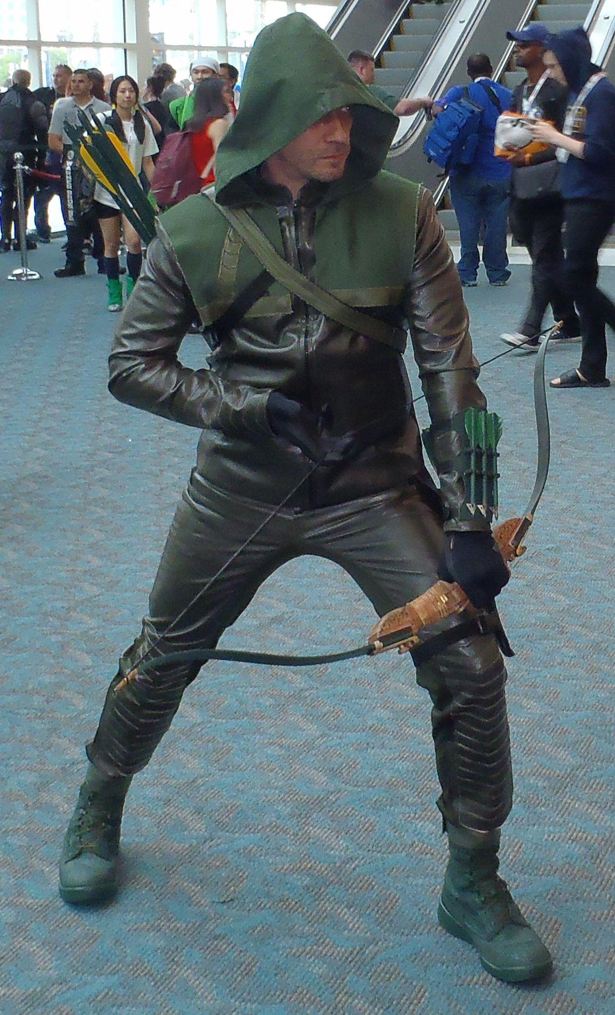 Green Arrow Arrow Tv Show Comic Con 2013 006jpg