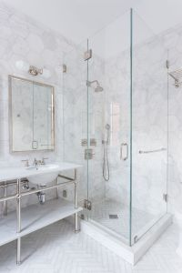 34 Stunning Marble Bathrooms with Silver Fixtures ...