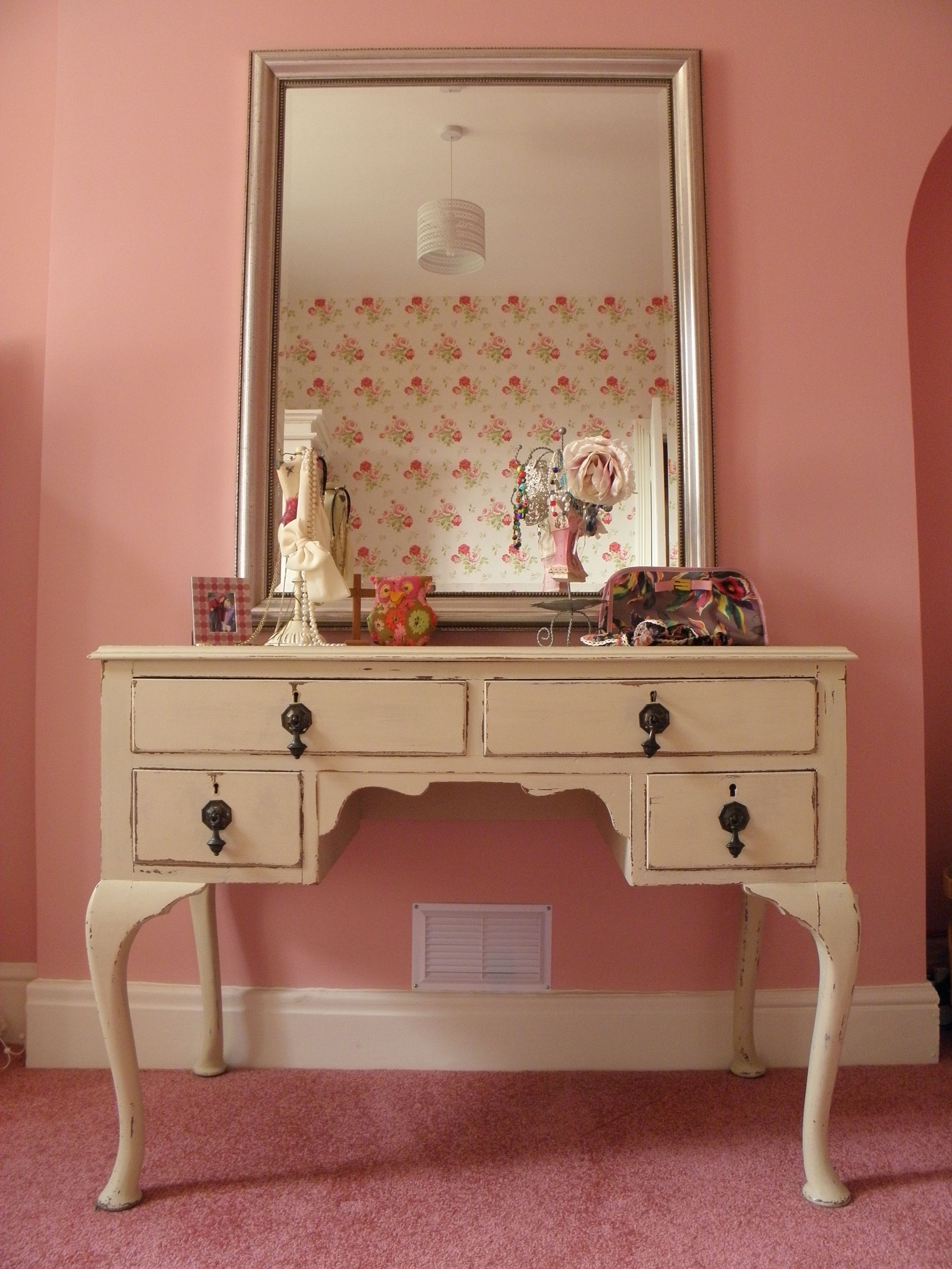 Dressing Table Designs For Master Bedroom Lovely White Wooden Single Mirror Dressing Tables With
