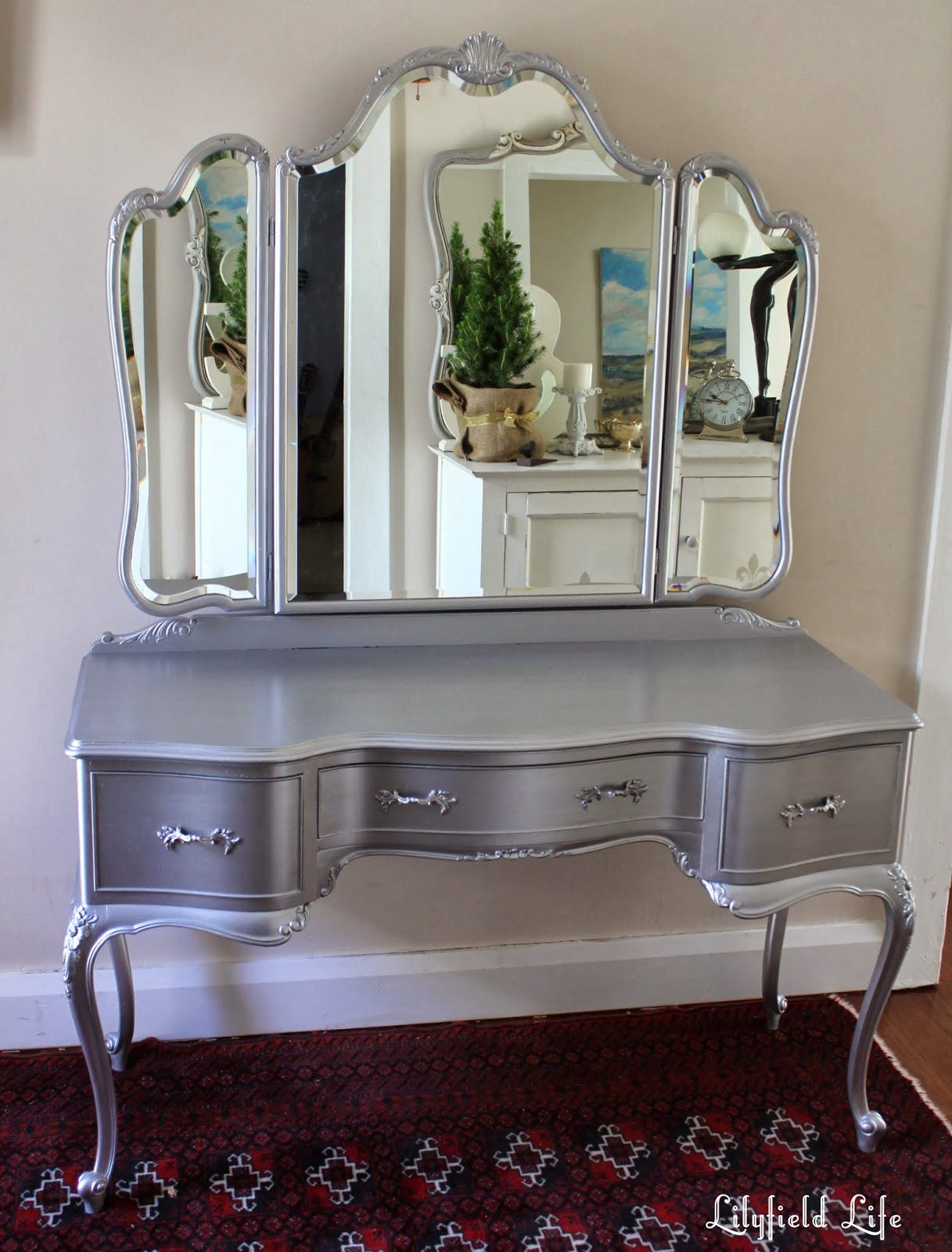 Bedroom Set With Vanity Amazing Silver Bedroom Makeup Vanity Sets Mirror