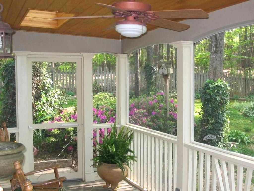 Patio Furnishing Ideas Screened In Porch Decorating Ideas On A Budget Screened In