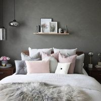 Love this gorgeous grey and pink bedroom! Image @decoride ...