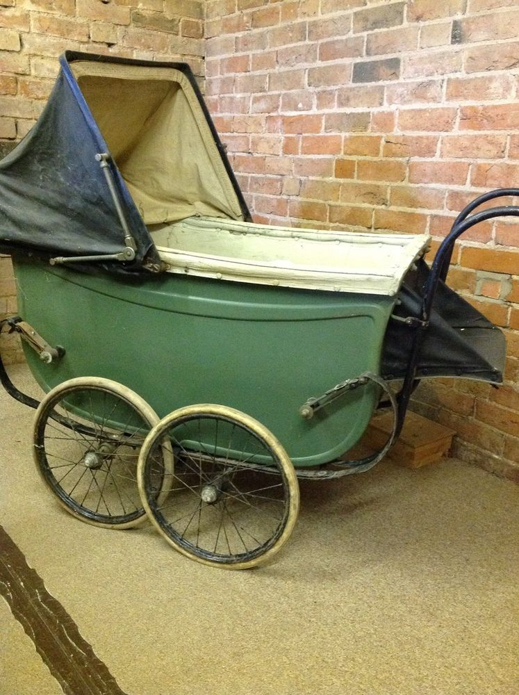 Stroller With Built In Bassinet Antique 1920s Green Hitchings Large Baby Pram Baby Prams
