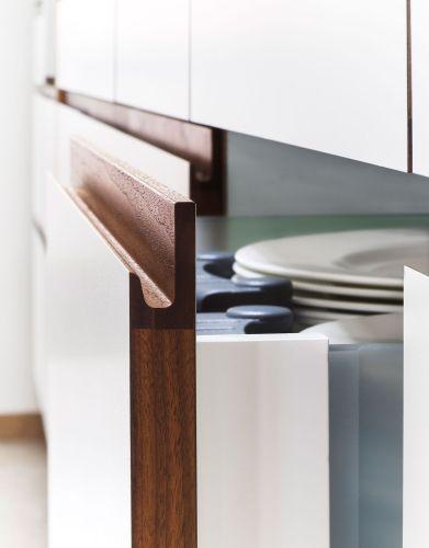 kitchen cabinet door pulls Six Common Kitchen Design Mistakes and How to Avoid Them Cabinet HandlesDoor