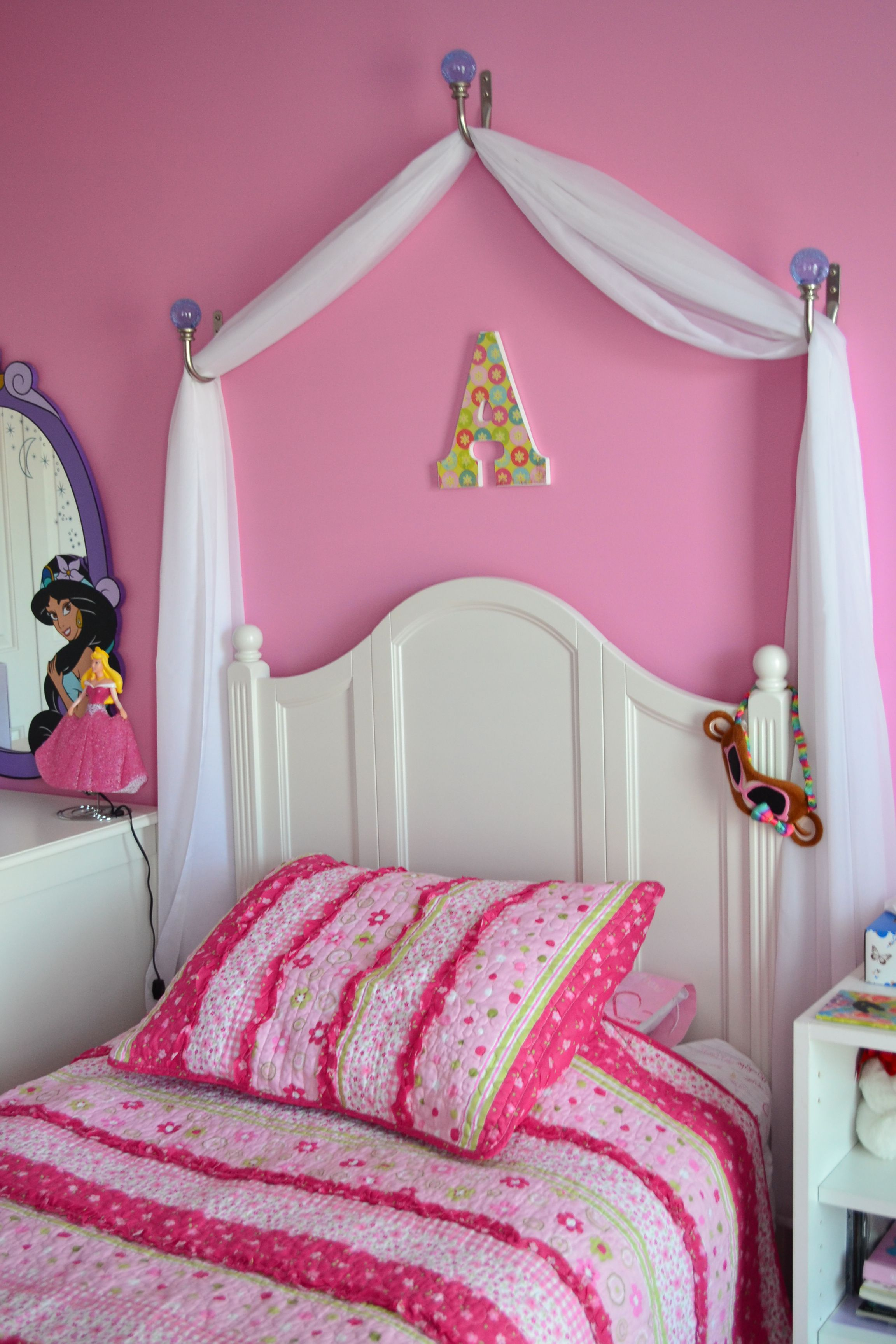 Little Girl Canopy Bed Ideas Creating A Disney Princess Room On A Budget Homemade