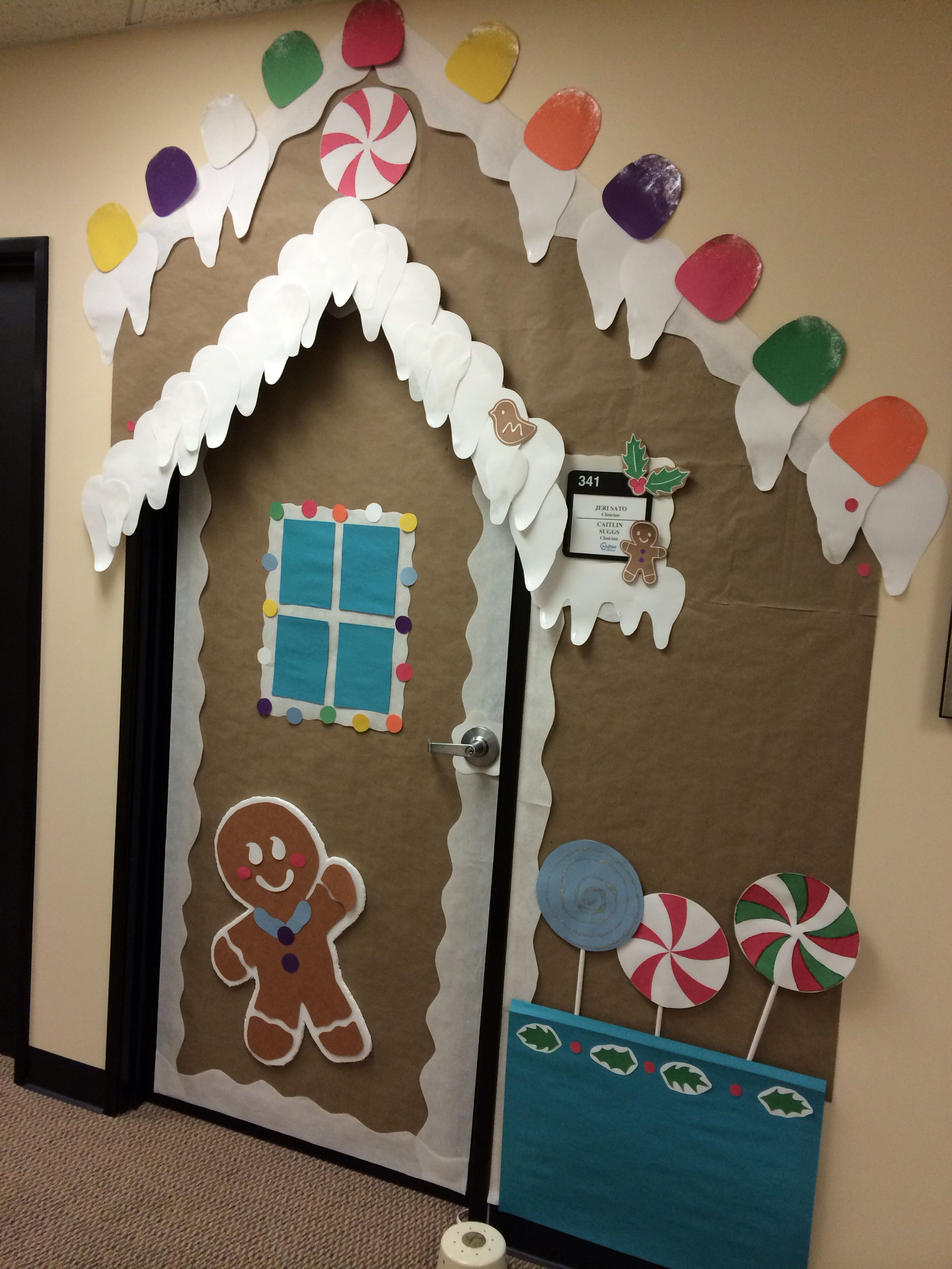 Christmas door decoration.. you could use different