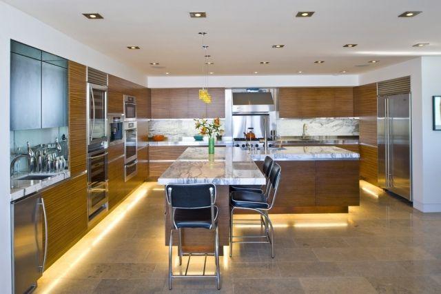 indirekte beleuchtung küche led leisten unten holz optik fronten - kuche beleuchtung