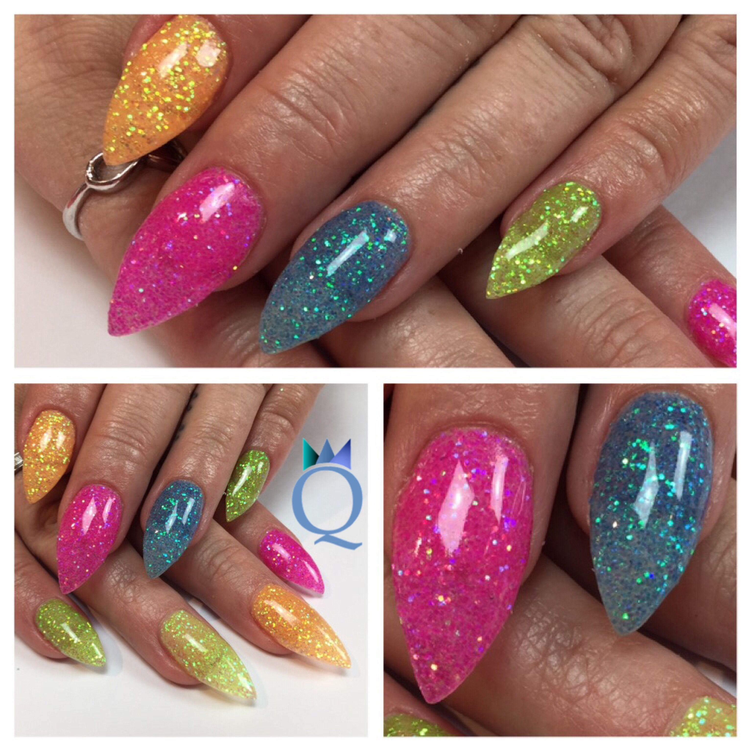 Herbstliche Gelnägel #stilleto #gelnails #nails #neon #glitter #stilletonägel #