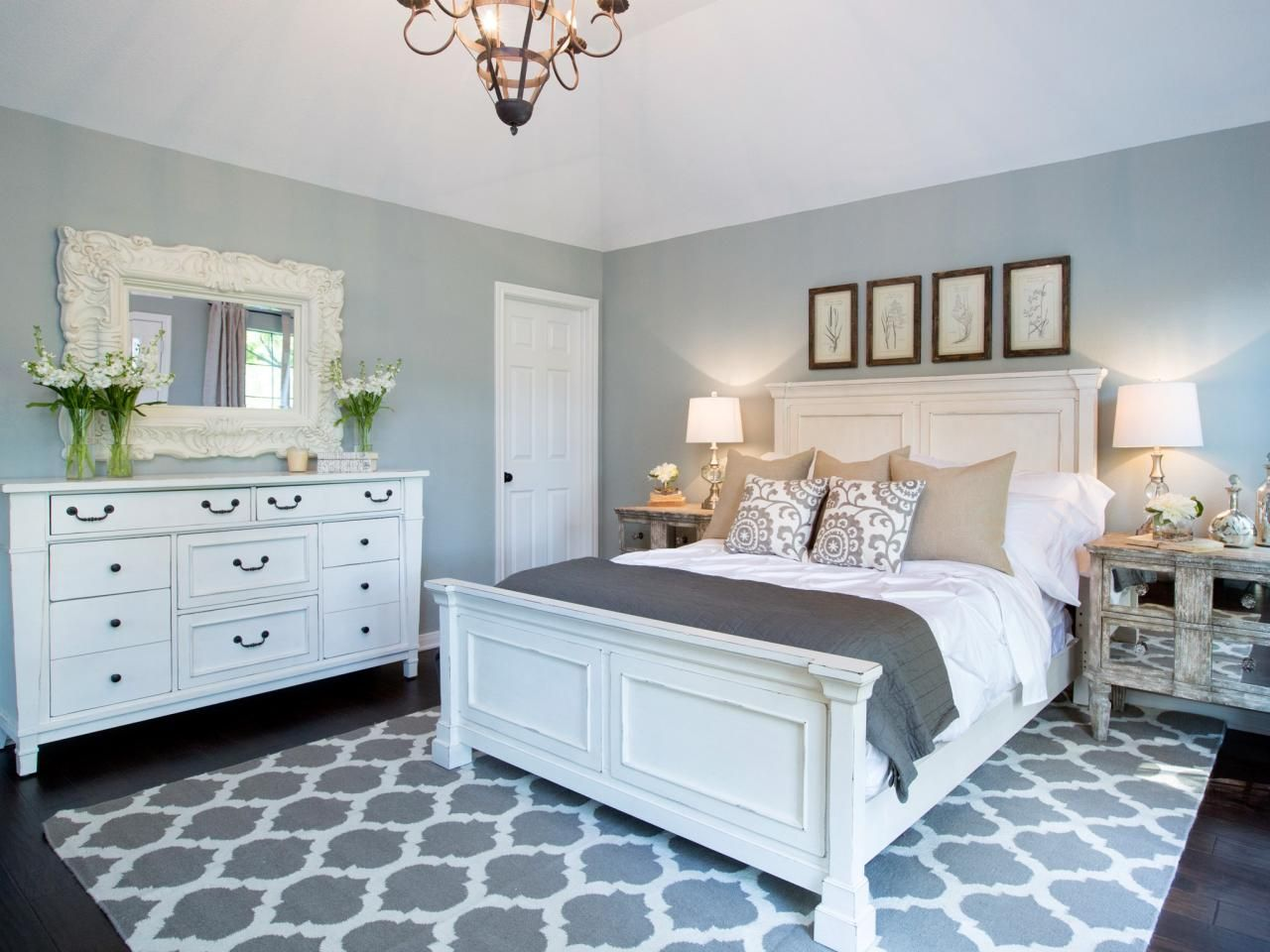 Photos hgtv fixer upper with chip and joanna gaines have black bedroom furniture silver accent handles ordered the same rug lamps white shades ribbings