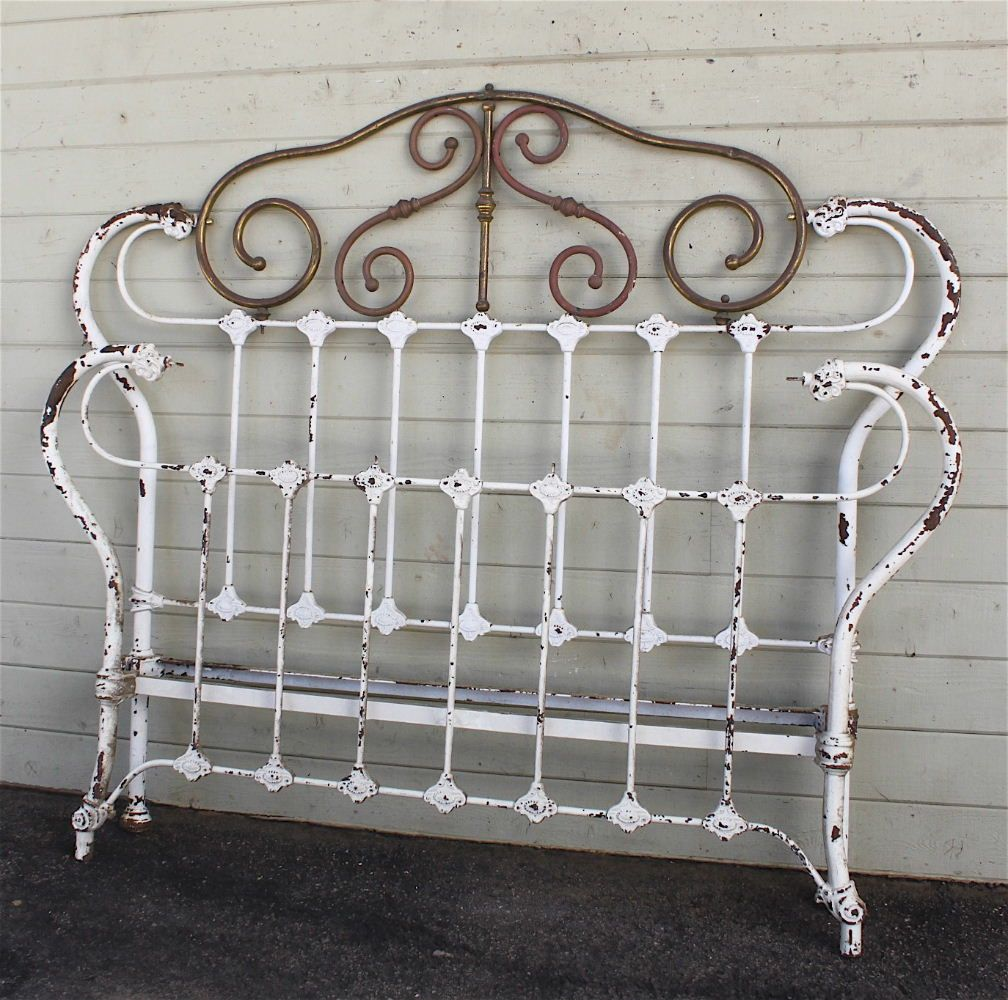 Although the largest size antique iron bed being manufactured back in the was a double full size this bed measures wider than todays queen width of quite