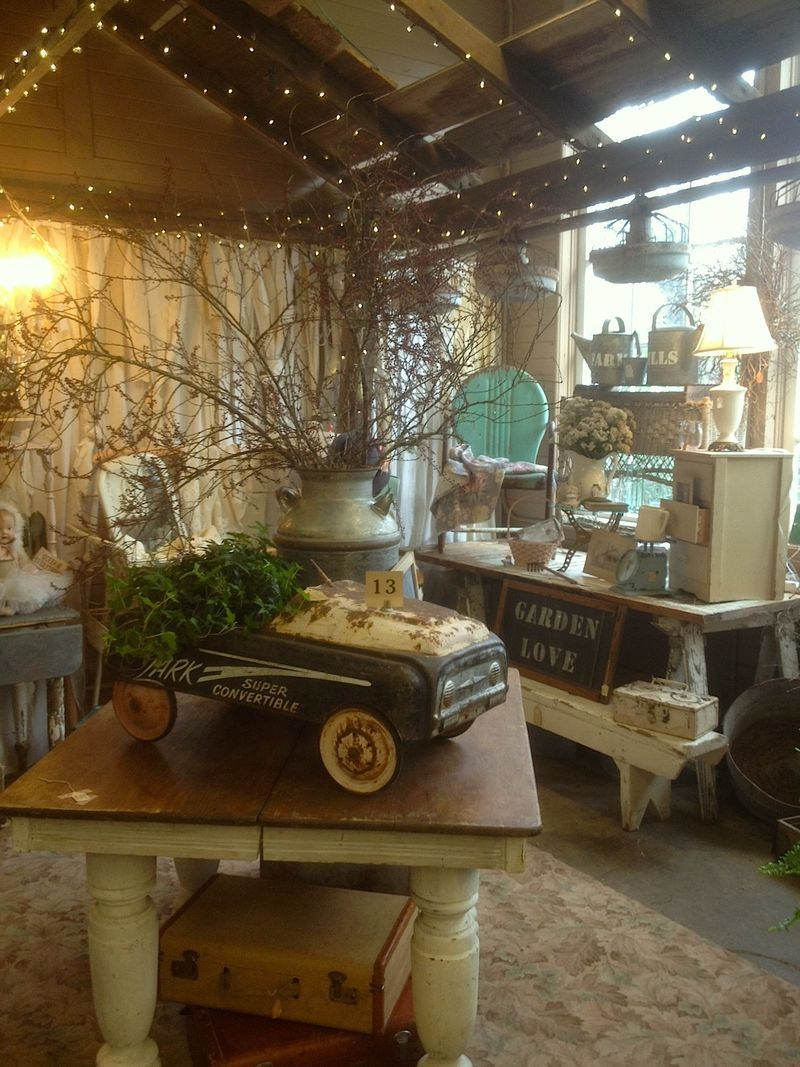 Design Love Fest Wallpaper Fall Vintage Store Display I D Sure Shop More Antiques If They
