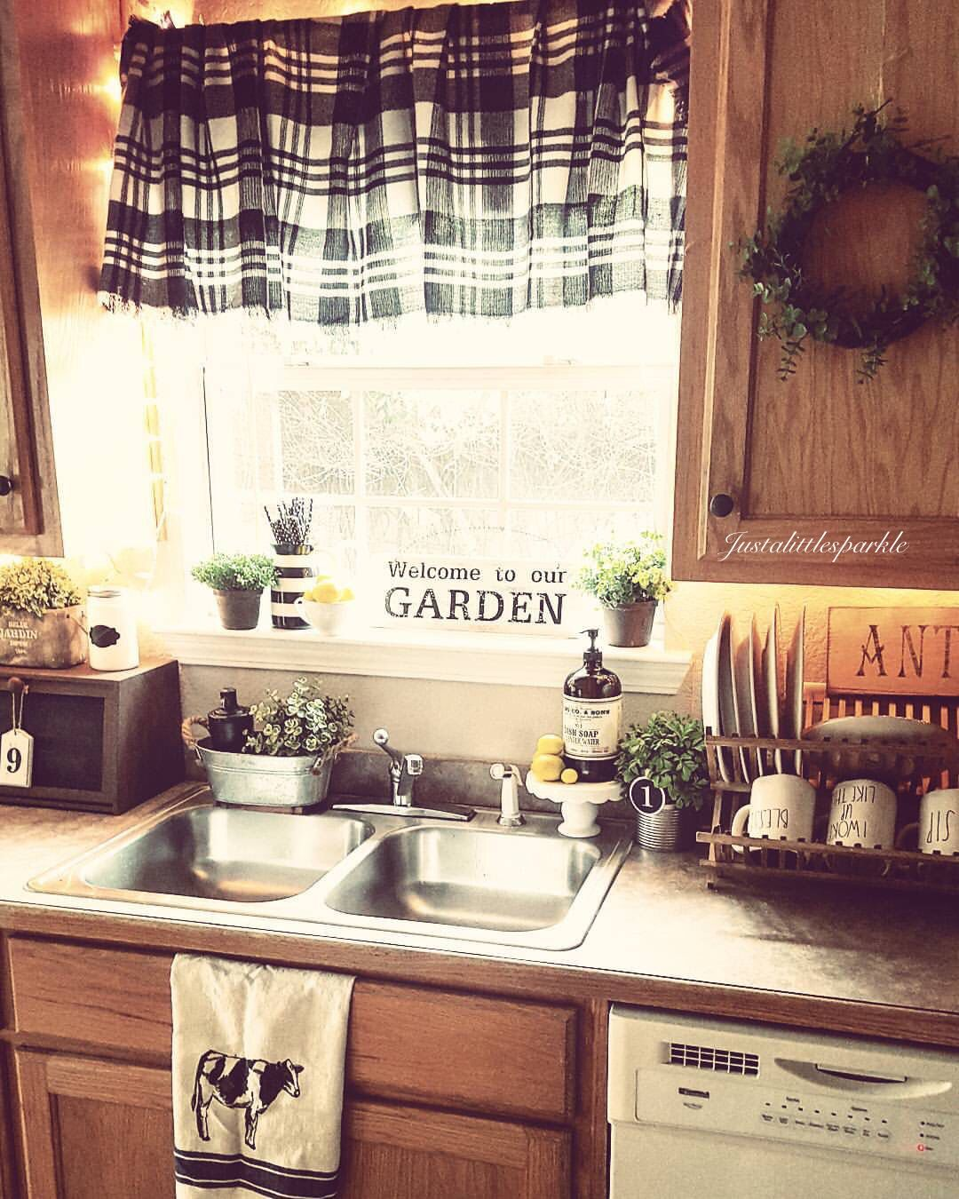 Oak Cabinets In Kitchen Decorating Ideas Farmhouse Kitchen Ideas Farmhouse Kitchen Decor Oak