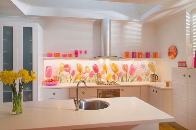 küche wandgestaltung glas-spritzschutz-fototapete-tulpen-weisse - kuchenwandgestaltung ideen fliesen glas