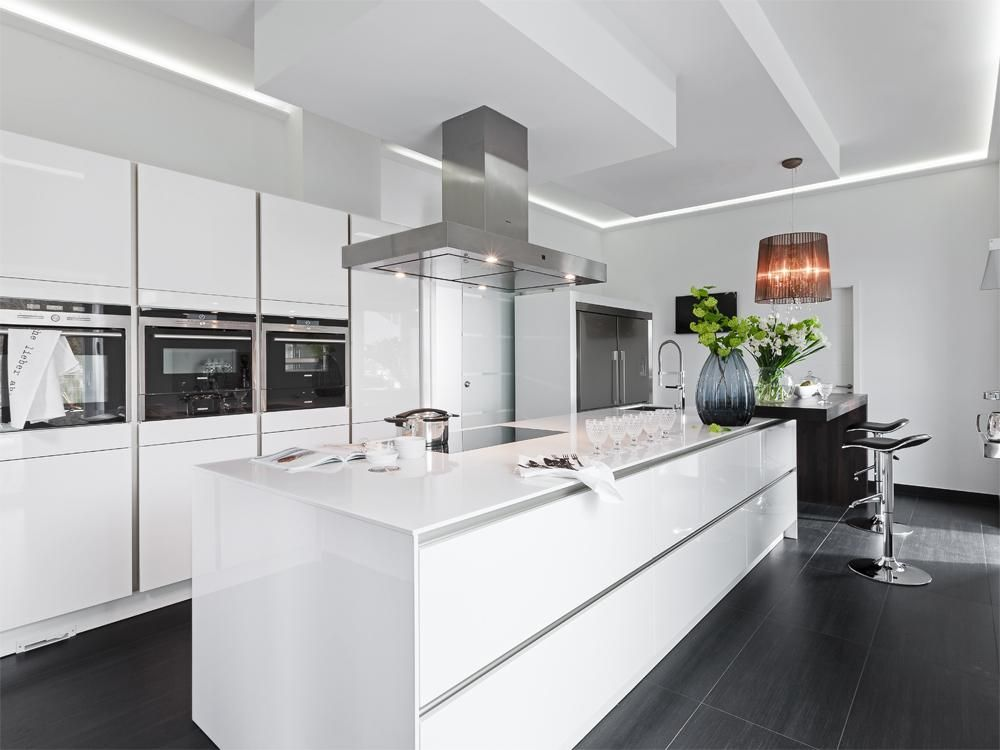 Poggenpohl-Musterküche Küche mit Kochinsel, moderne Planung in - moderne modulare kuche komfort