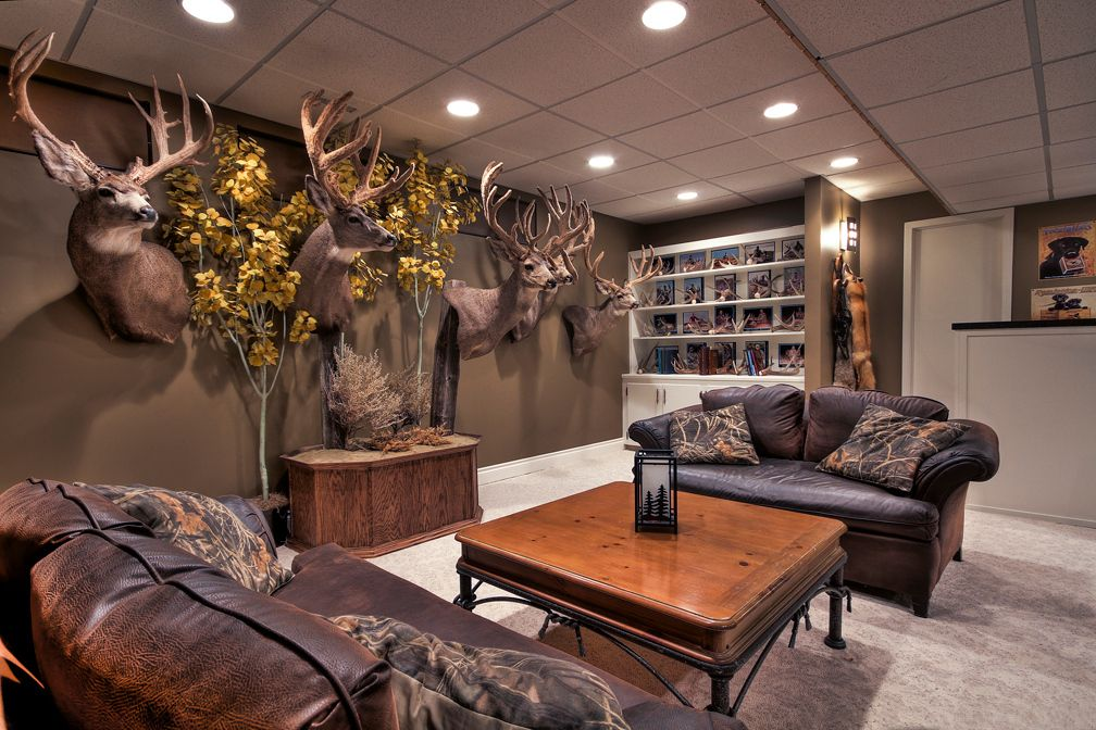 outdoorsman rooms the rest are of the trophy room in the - camo living room furniture