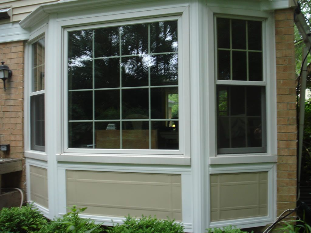 Azek trim for bay window looks much nicer than just having siding wrapped around it below the windows for the home exterior pinterest azek trim