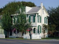 White house, green trim | Houses | Pinterest | White ...