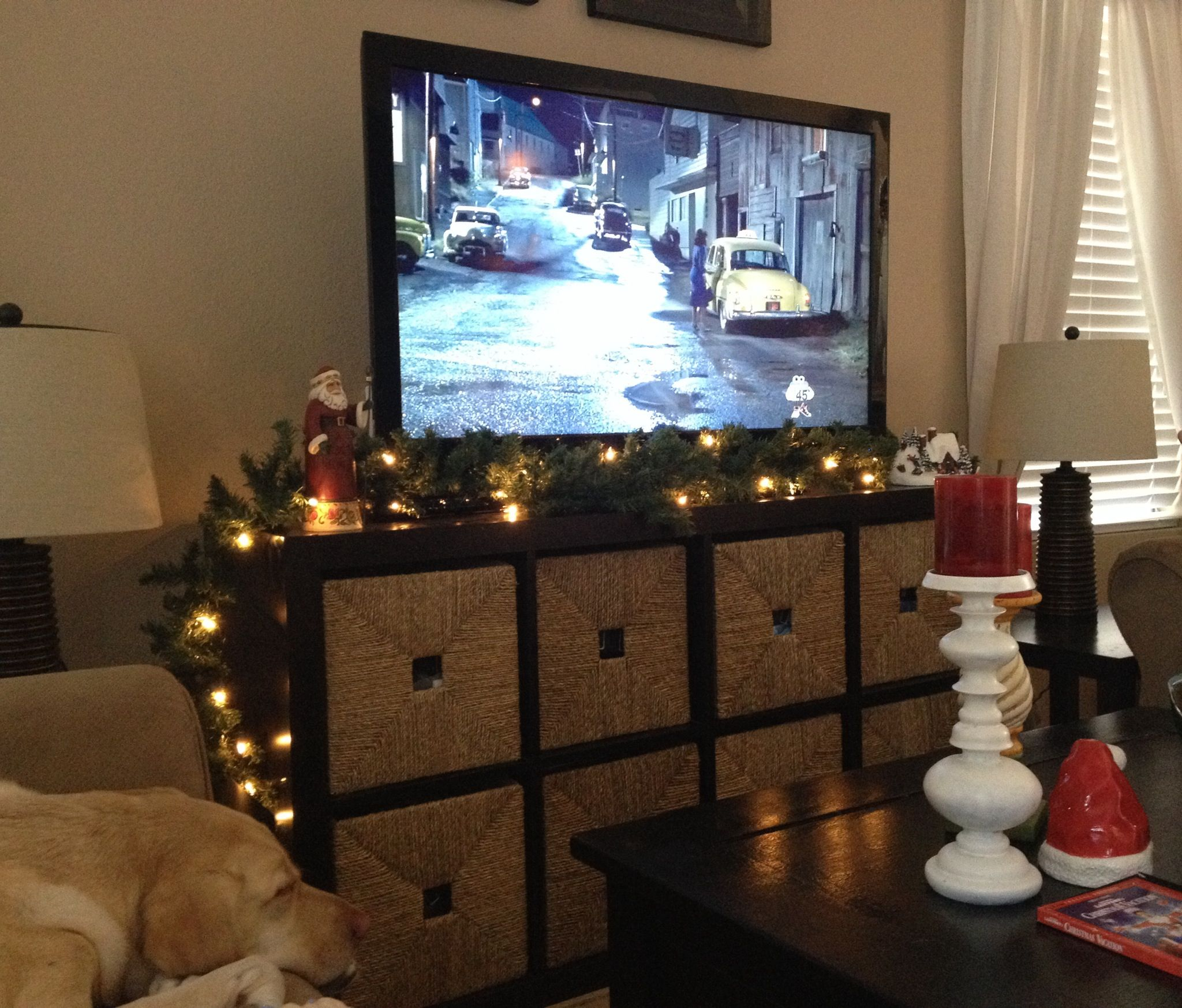 Tv Stand Decor Ideas Don 39t Have A Fireplace To Decorate With Garland I Used