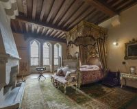 Queen Victorias bedroom, Arundel castle, West Sussex ...