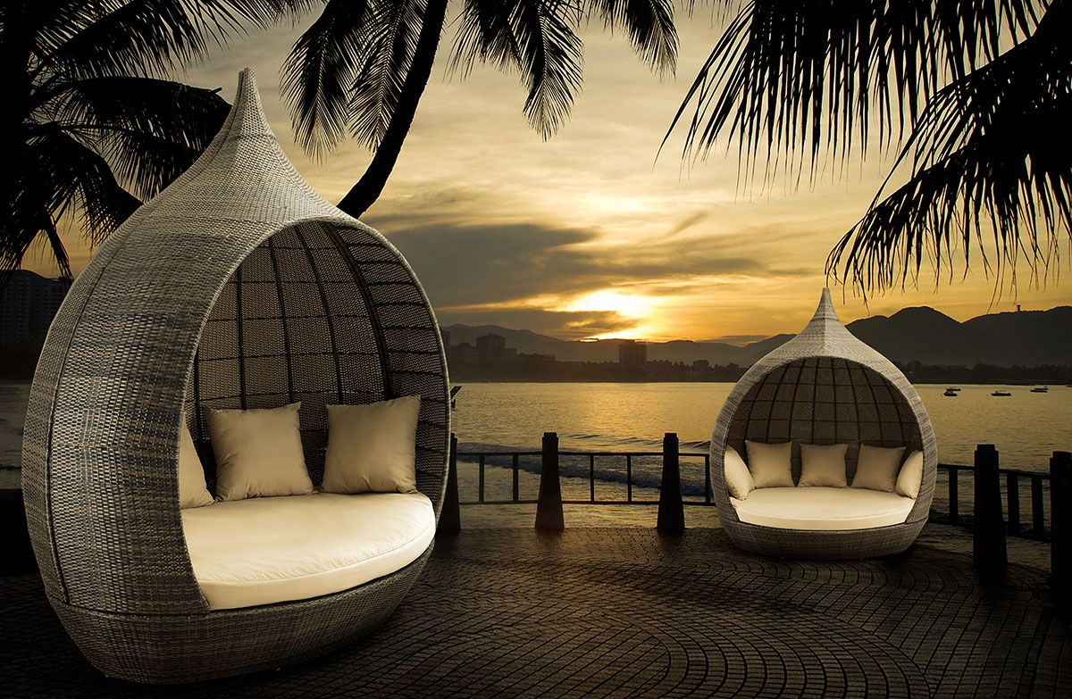 Outdoor Daybeds For Sale 10 Outdoor Daybeds Youll Want To Use Indoors Daybed