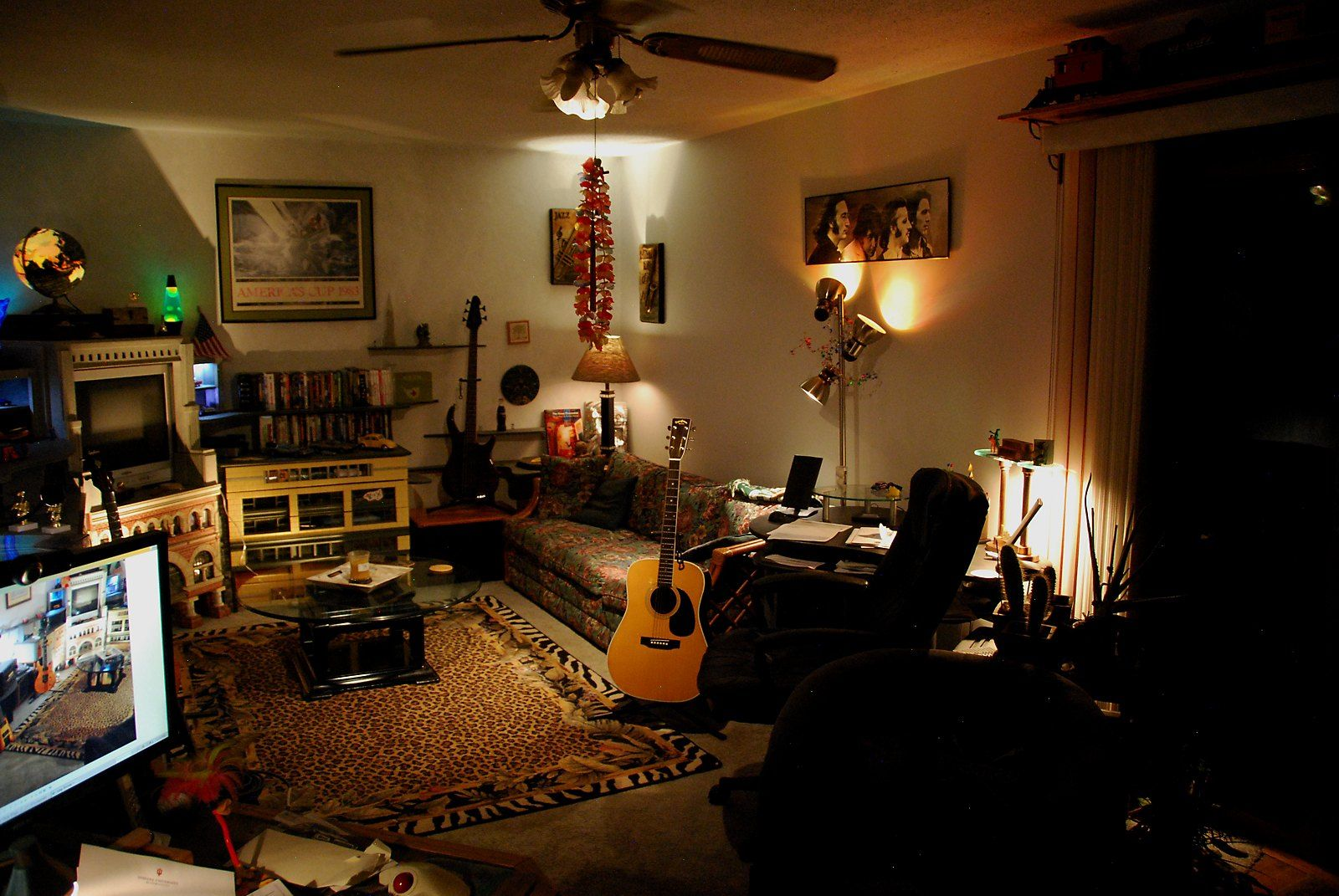 Guitar Decor For Bedroom Creative Lighting In Guitar Room Music Rooms Pinterest