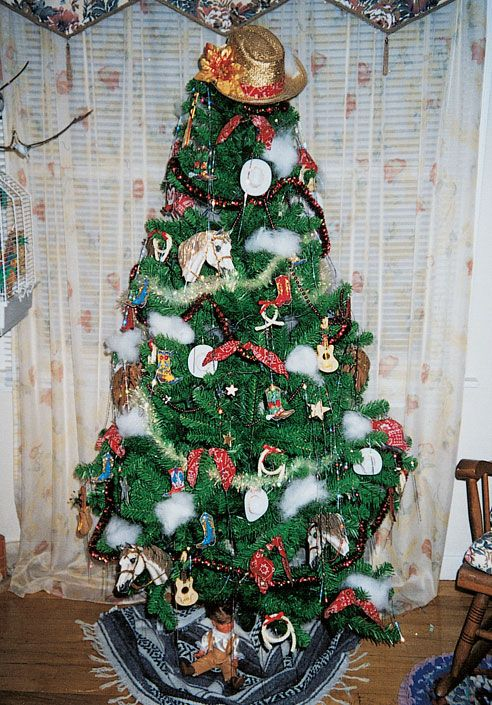 5 Christmas Tree Decorating Ideas - western christmas decorations