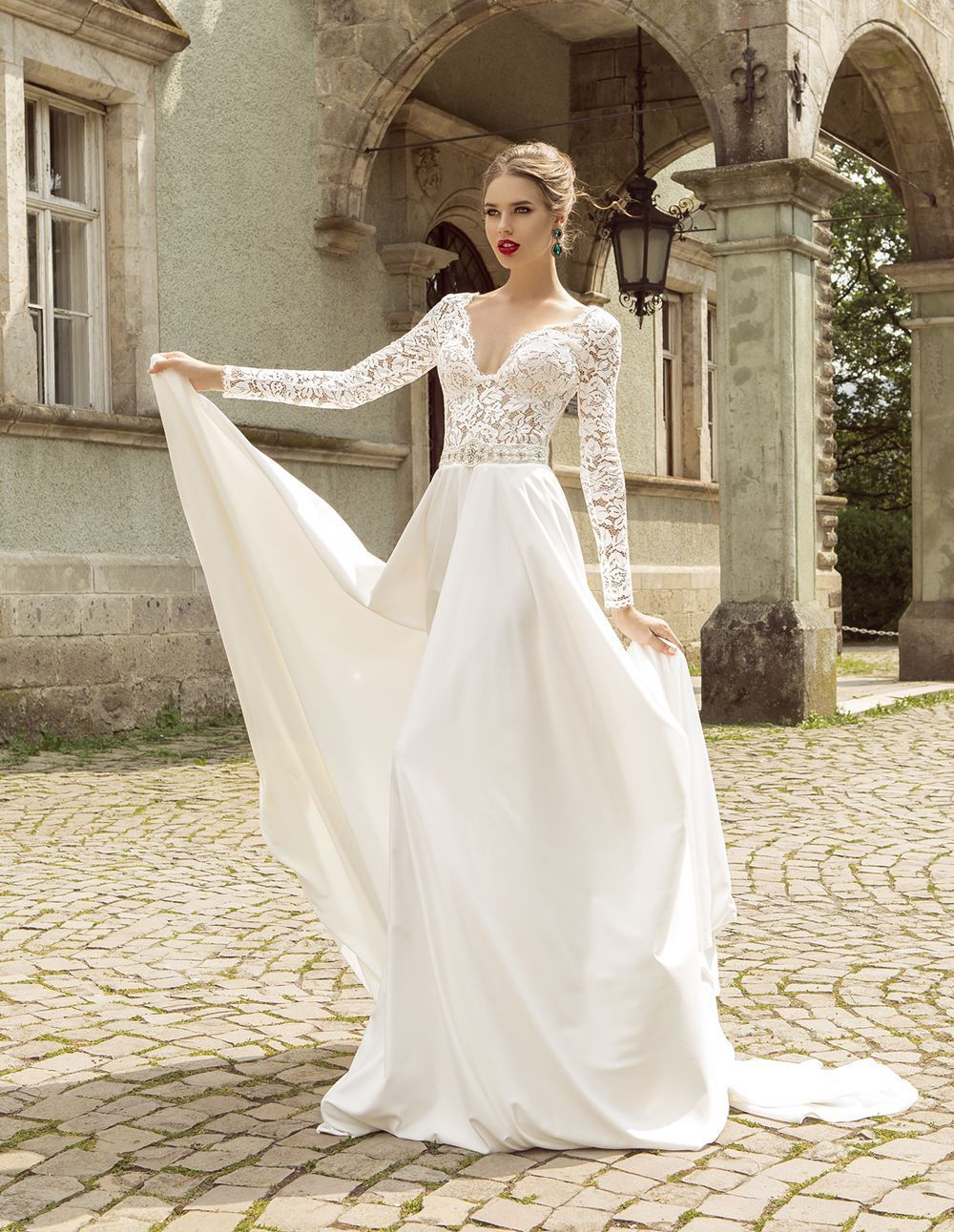 wedding dresses with sleeves Summer Style Lace Long Sleeve Wedding Dresses V Neck A Line Lace Wedding Dress Beading