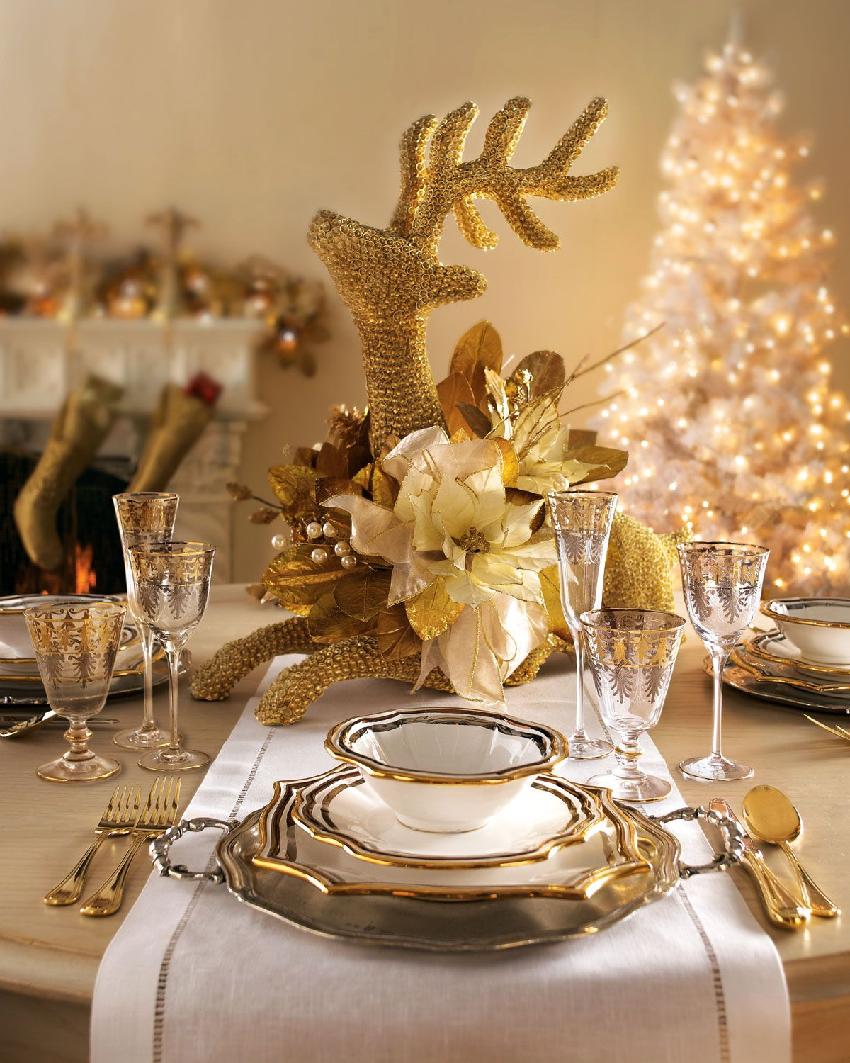 Dining tables christmas table settings red and gold