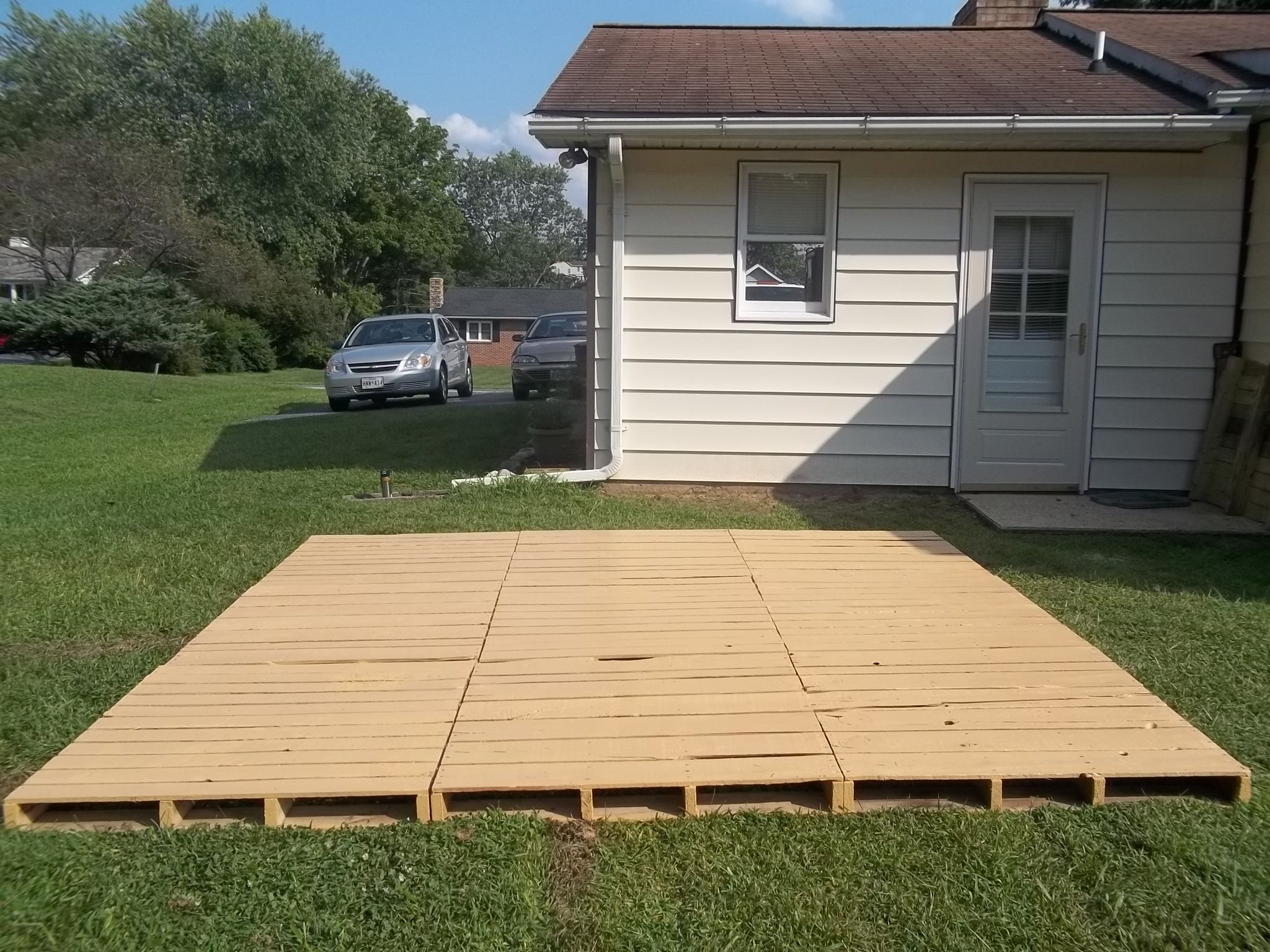 Diy Deck Flooring Pallet Decks And Patios This Entry Was Posted In Diy By