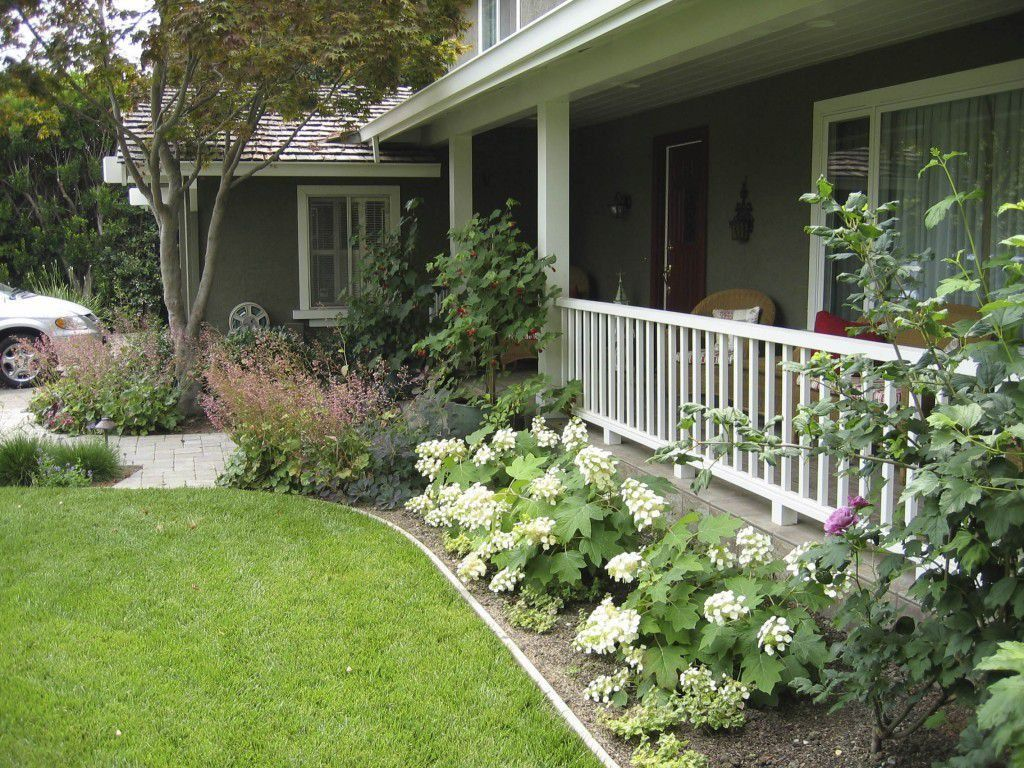 Front yard ranch style house with hydrangeas outdoor landscaping ideas for ranch style house