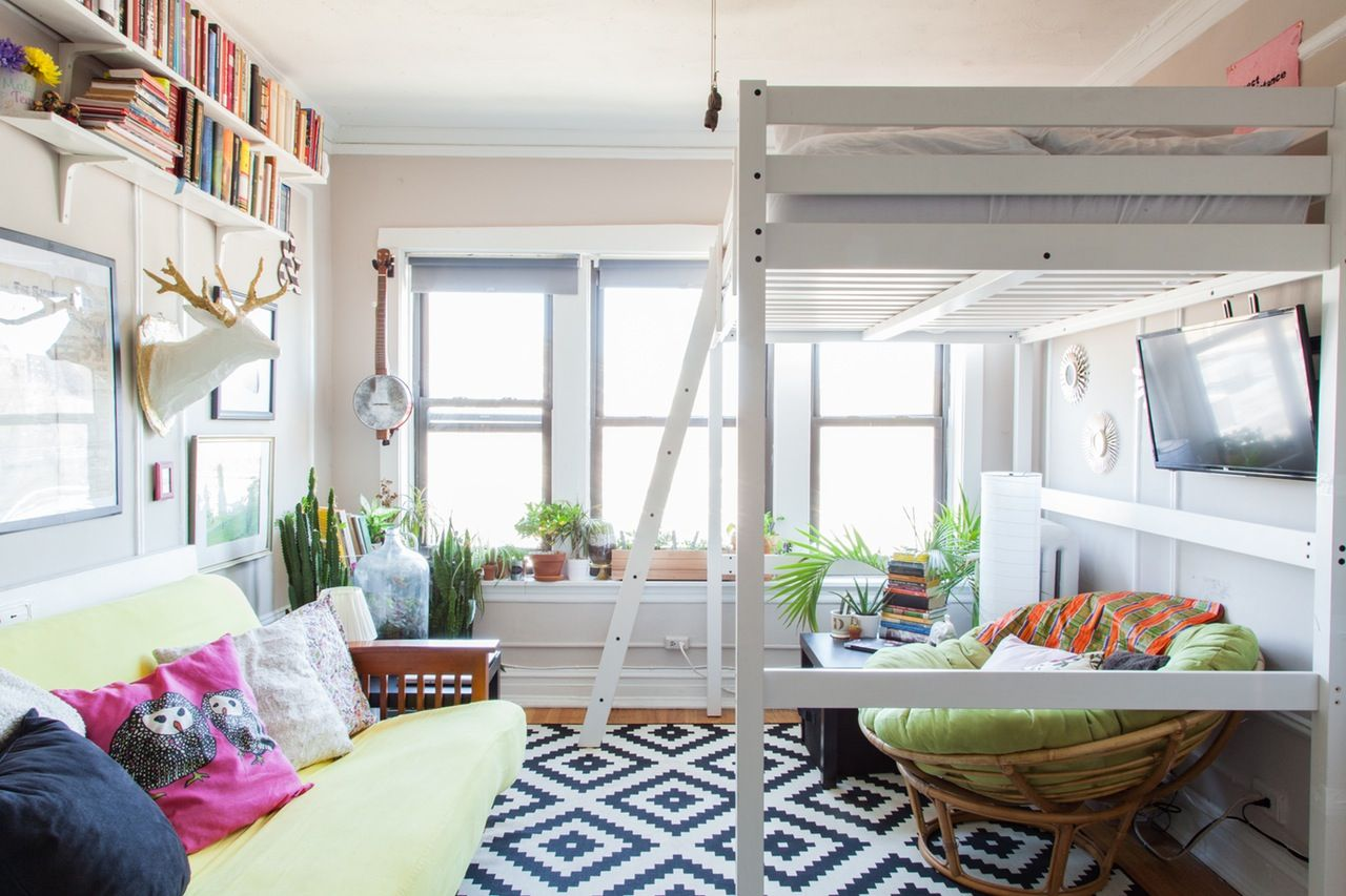 Loft Bed For Studio Apartment A 325 Square Foot Quotcozy Femme Clutter Quot Chicago Studio
