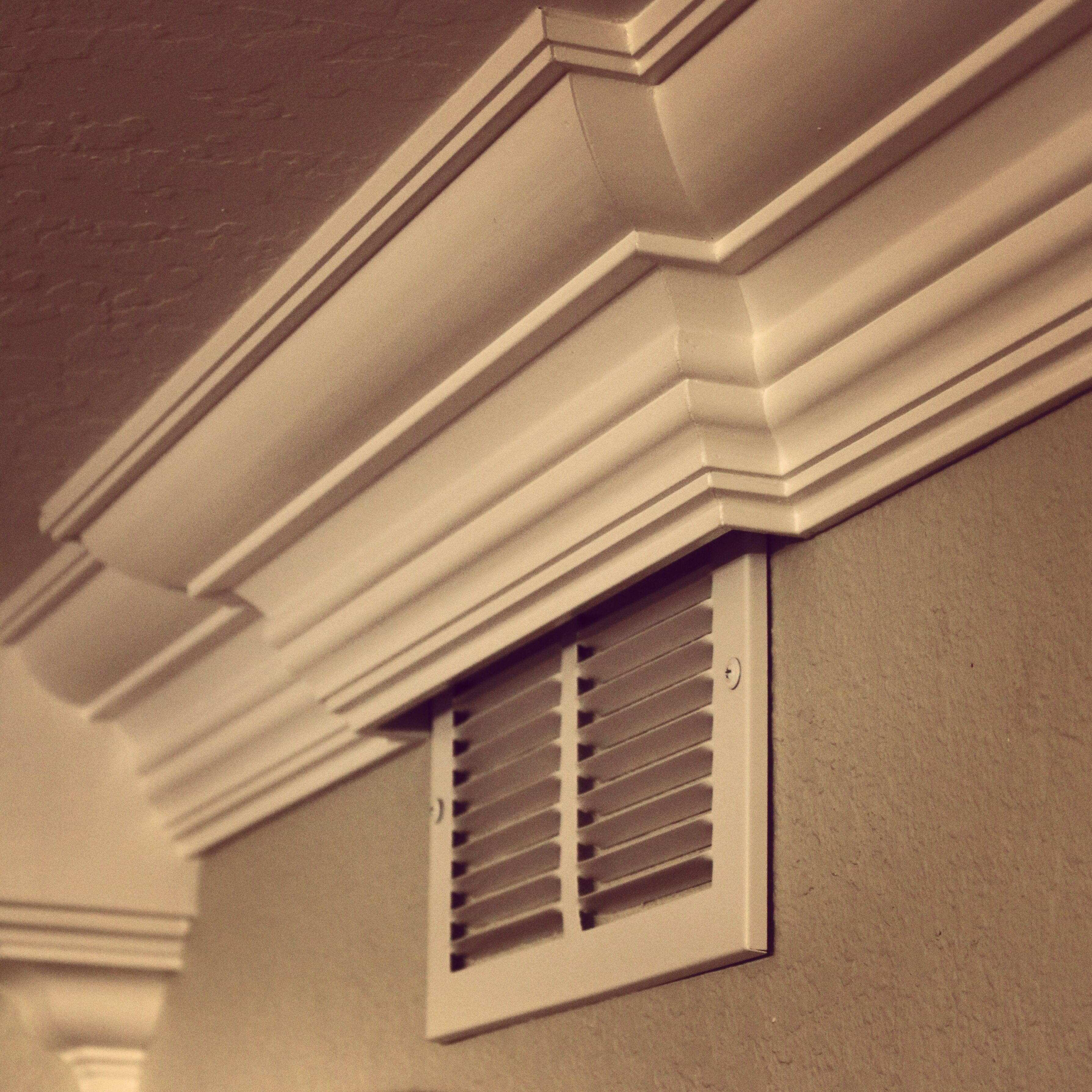How to crown around a heater vent crown moldingmouldingbaseboardwindow
