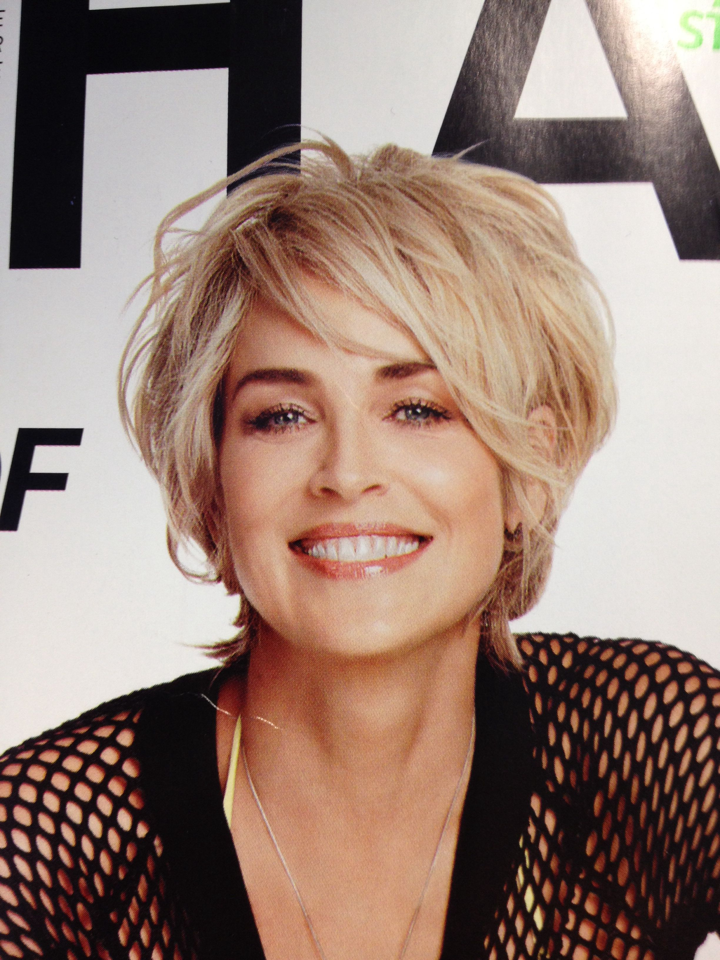 Haarstyling Kurze Haare Sharon Stone At 56 I Like Her Hair Color And Style