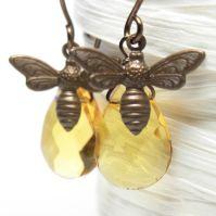 bee earrings! cute! | Jewelry | Pinterest | Honey bee ...