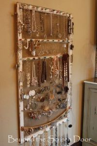Beyond the Screen Door Jewelry Screen. Cute idea. I think ...