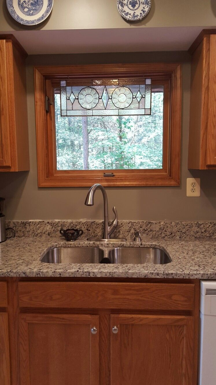 Best granite to tie together oak cabinets and white appliances blanco tulum granite gettysburg white applianceskitchen remodelingremodeling ideasgrey
