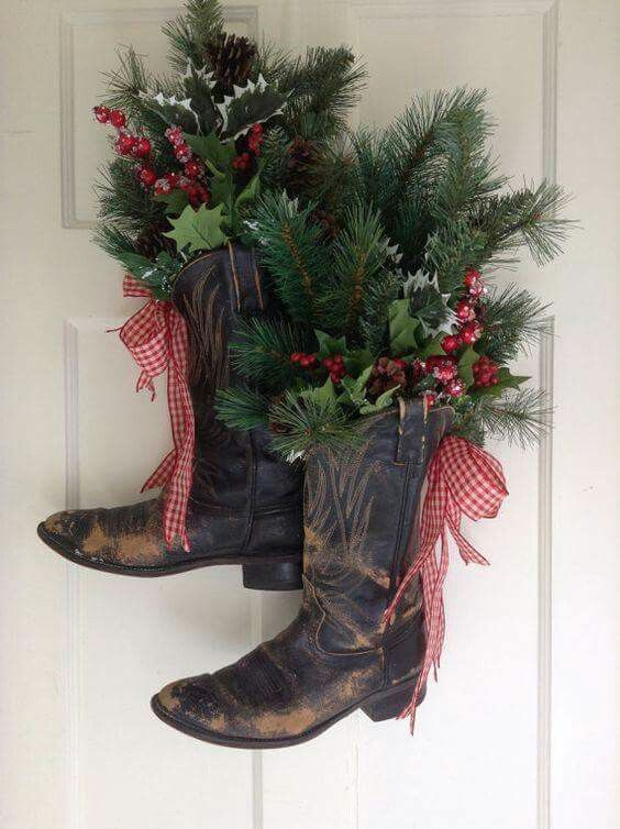 From Vintage Girls on Facebook Love this idea craft show ideas - western christmas decorations