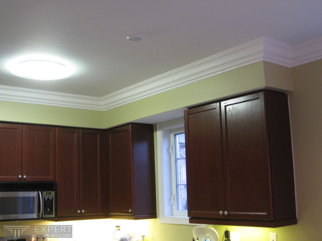 Crown Moulding Above Kitchen Cabinets Crown Moulding Looks Great Above Kitchen Cabinets By