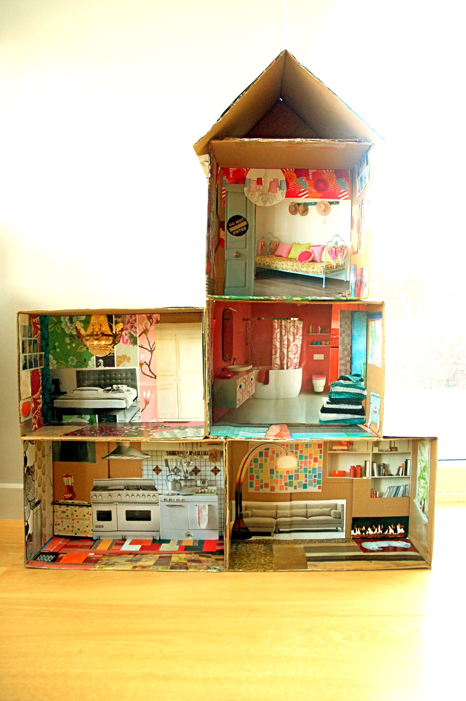 Play Doh Keuken Cardboard Doll House With Magazine Pictures Knutselen
